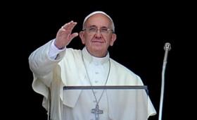 Ο Πάπας Φραγκίσκος «αποκηρύσσει» Αδάμ και Εύα κι αποδέχεται το big bang και τον Δαρβίνο.